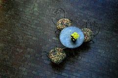 υπαίθριος πίνακας καφέδω Στοκ εικόνα με δικαίωμα ελεύθερης χρήσης