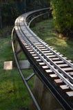 Υπαίθριος πρότυπος σιδηρόδρομος κλίμακας. Στοκ φωτογραφία με δικαίωμα ελεύθερης χρήσης
