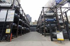 Υπαίθριος σταθμός αυτοκινήτων στην πόλη της Νέας Υόρκης Στοκ εικόνες με δικαίωμα ελεύθερης χρήσης