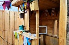 Υπαίθριο Βερολίνο εισόδων λεσχών ξύλινο σπίτι Techno Στοκ Εικόνα