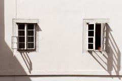 Υπαίθριο εκλεκτής ποιότητας παράθυρο δύο Στοκ φωτογραφίες με δικαίωμα ελεύθερης χρήσης