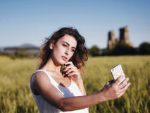 Υπαίθριο κορίτσι Selfie Στοκ Φωτογραφίες