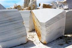 Υπαίθριο ορυχείο στη μαρμάρινη εξαγωγή Στοκ εικόνες με δικαίωμα ελεύθερης χρήσης