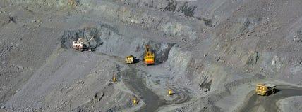 Υπαίθριο ορυχείο του σιδηρομεταλλεύματος στοκ εικόνες
