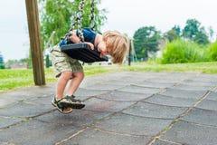 Υπαίθριο πορτρέτο ενός χαριτωμένου μικρού παιδιού Στοκ Φωτογραφίες
