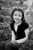 Υπαίθριο πορτρέτο του μικρού κοριτσιού στοκ φωτογραφία με δικαίωμα ελεύθερης χρήσης