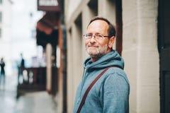 Υπαίθριο πορτρέτο του 50χρονου ατόμου Στοκ Φωτογραφίες