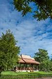 Υπαίθριο ταϊλανδικό σπίτι ύφους Στοκ φωτογραφία με δικαίωμα ελεύθερης χρήσης