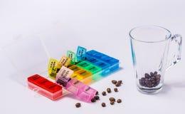 Υπενθύμιση φαρμάκων πρωινού στοκ φωτογραφία με δικαίωμα ελεύθερης χρήσης