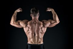 Υπερήφανος της άριστης μορφής Έννοια Bodybuilder E r Ανδροπρέπεια και στοκ φωτογραφίες