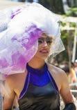 Υπερβολικός συμμετέχων της ομοφυλοφιλικής παρέλασης στοκ φωτογραφία με δικαίωμα ελεύθερης χρήσης
