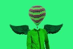 Υπερρεαλιστική ελάχιστη έννοια Ένα μπαλόνι αντί ενός ανθρώπινου κεφαλιού και φτερά πίσω από την πλάτη Μινιμαλισμός και σουρεαλησμ διανυσματική απεικόνιση