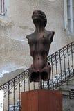 Υπερρεαλιστικό άγαλμα γυναικών sci-Fi στο Χ ρ Μουσείο Giger σε Gruyeres, Στοκ φωτογραφία με δικαίωμα ελεύθερης χρήσης
