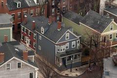 Υπερυψωμένη άποψη των χαρακτηριστικών σπιτιών της Βοστώνης Στοκ Φωτογραφία