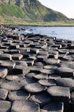 Υπερυψωμένο μονοπάτι γίγαντα, κομητεία Antrim, Βόρεια Ιρλανδία Στοκ εικόνα με δικαίωμα ελεύθερης χρήσης
