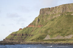Υπερυψωμένο μονοπάτι γιγάντων  Κομητεία Antrim  Βόρεια Ιρλανδία Στοκ φωτογραφίες με δικαίωμα ελεύθερης χρήσης
