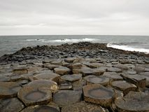 Υπερυψωμένο μονοπάτι γιγάντων στη Βόρεια Ιρλανδία Στοκ εικόνες με δικαίωμα ελεύθερης χρήσης
