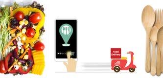 Υπηρεσία παράδοσης τροφίμων Εκφράστε την υπηρεσία παράδοσης με τη μοτοσικλέτα για τα επιχειρησιακά τρόφιμα κοντά στο σπίτι ή τη σ στοκ φωτογραφίες