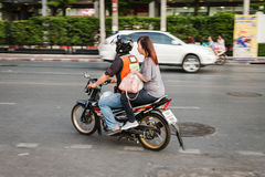 Υπηρεσία ταξί μοτοσικλετών στη Μπανγκόκ στοκ εικόνα με δικαίωμα ελεύθερης χρήσης