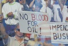 Υπογράψτε το αίμα �No για το oil� στη συνάθροιση ειρήνης, Λος Άντζελες, Καλιφόρνια Στοκ Εικόνες