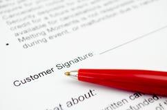 Υπογραφή πελατών Στοκ φωτογραφία με δικαίωμα ελεύθερης χρήσης