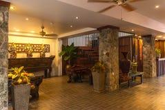 Υποδοχή και πισίνα του ταϊλανδικού ξενοδοχείου Στοκ φωτογραφία με δικαίωμα ελεύθερης χρήσης