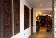 Υποδοχή και πισίνα του ταϊλανδικού ξενοδοχείου Στοκ Φωτογραφία
