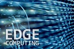 Υπολογισμός ΑΚΡΩΝ, Διαδίκτυο και σύγχρονη έννοια τεχνολογίας στο σύγχρονο υπόβαθρο δωματίων κεντρικών υπολογιστών στοκ εικόνες