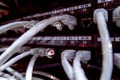 Υπολογισμός και επικοινωνία σύννεφων υποδομής τεχνολογίας μπλε έννοια Διαδίκτυο χρώματος ανασκόπησης στοκ εικόνα