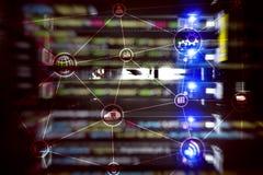 Υπολογισμός και επικοινωνία σύννεφων υποδομής τεχνολογίας μπλε έννοια Διαδίκτυο χρώματος ανασκόπησης στοκ φωτογραφία