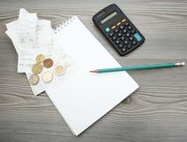 Υπολογισμός του οικιακού προϋπολογισμού Στοκ Φωτογραφίες