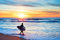 Υπομονή - ηλιοβασίλεμα surfer Στοκ Εικόνες
