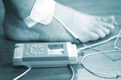 Υπομονετική θεραπεία φυσιοθεραπείας καρπών βραχιόνων χεριών Στοκ Εικόνες