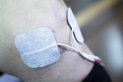 Υπομονετικό γόνατο ποδιών στη θεραπεία φυσιοθεραπείας Στοκ Εικόνες