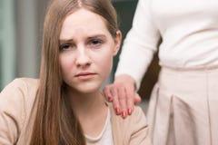 Υποστήριξη κοριτσιών και της μητέρας Στοκ Εικόνα