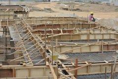 Υποστήριξη ξυλείας για τον εγκιβωτισμό ακτίνων ξυλείας Στοκ Εικόνες