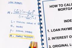 Υπολογισμός στις μηνιαίες πληρωμές στοκ φωτογραφία με δικαίωμα ελεύθερης χρήσης