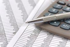 Υπολογισμός χρηματοδότησης και προϋπολογισμών Στοκ Φωτογραφία