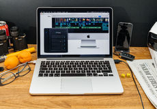 Υπολογιστές της Apple στις πιό πρόσφατες ανακοινώσεις WWDC του κεραυνού iMac Στοκ εικόνα με δικαίωμα ελεύθερης χρήσης