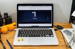 Υπολογιστές της Apple στις πιό πρόσφατες ανακοινώσεις WWDC του ρολογιού της Apple ο κ. 1 Στοκ Φωτογραφίες