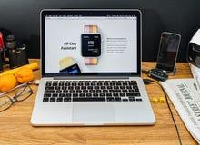Υπολογιστές της Apple στο πιό πρόσφατο ρολόι OS της Apple ανακοινώσεων WWDC Στοκ εικόνα με δικαίωμα ελεύθερης χρήσης