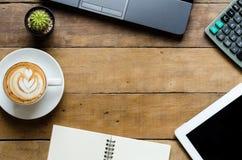 Υπολογιστής γραφείου ουσίας γραφείων Στοκ φωτογραφία με δικαίωμα ελεύθερης χρήσης