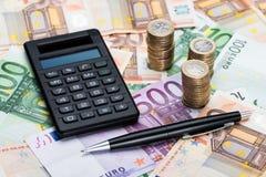 Υπολογιστής και μάνδρα στο ευρο- νόμισμα Στοκ Φωτογραφία