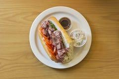 Υπο- σάντουιτς βόειου κρέατος ψητού Στοκ Εικόνες