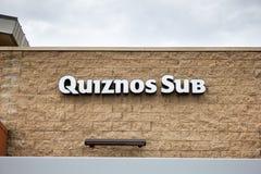 Υπο- σημάδι εστιατορίων Quiznos στοκ εικόνες με δικαίωμα ελεύθερης χρήσης