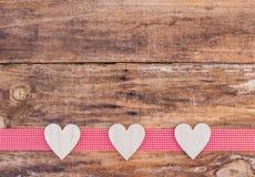 Υπόβαθρο αγάπης με τη διακόσμηση καρδιών για το βαλεντίνο Στοκ Εικόνες