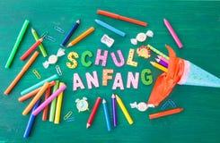 Υπόβαθρο για την πρώτη ημέρα του σχολείου Στοκ εικόνα με δικαίωμα ελεύθερης χρήσης