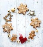 Υπόβαθρο εμβλημάτων Χριστουγέννων  διάστημα δώρων διακοπών, διακοσμήσεων χριστουγεννιάτικων δέντρων και αντιγράφων για το κείμενό στοκ φωτογραφίες