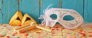 Υπόβαθρο εμβλημάτων ιστοχώρου της έννοιας εορτασμού Purim (εβραϊκές διακοπές καρναβαλιού) Εκλεκτική εστίαση Τρύγος που φιλτράρετα Στοκ εικόνα με δικαίωμα ελεύθερης χρήσης