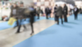 Υπόβαθρο εμπορικών εκθέσεων μια σκόπιμη επίδραση θαμπάδων που εφαρμόζεται με Στοκ Εικόνες